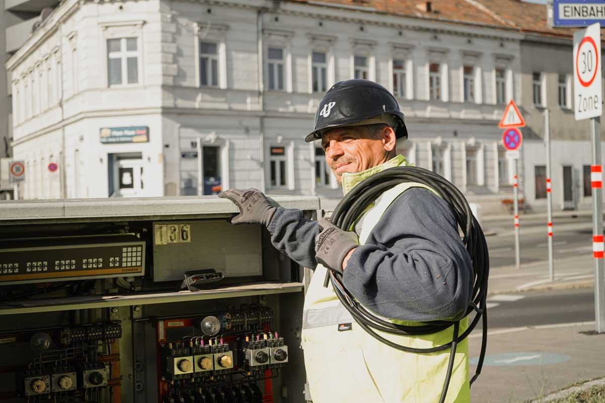 HilfselektrikerIn für öffentliche Beleuchtung  | uhl-jobboerse.at